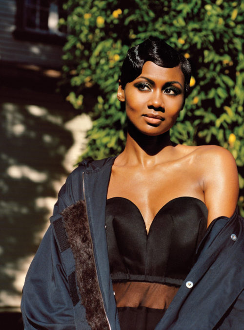 Emayatzy Corinealdi we2
