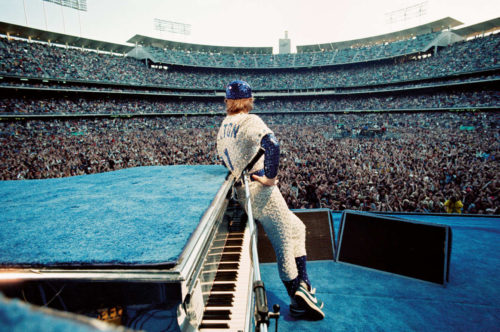 elton looks out dodgers