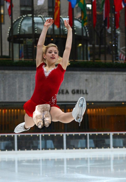 gracie-gold-camel-toe