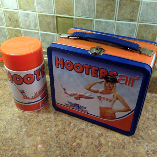 hooters air lunchbox