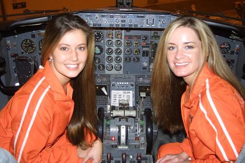 hooters air pilots