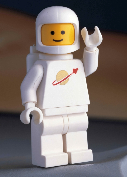 legos astronaut