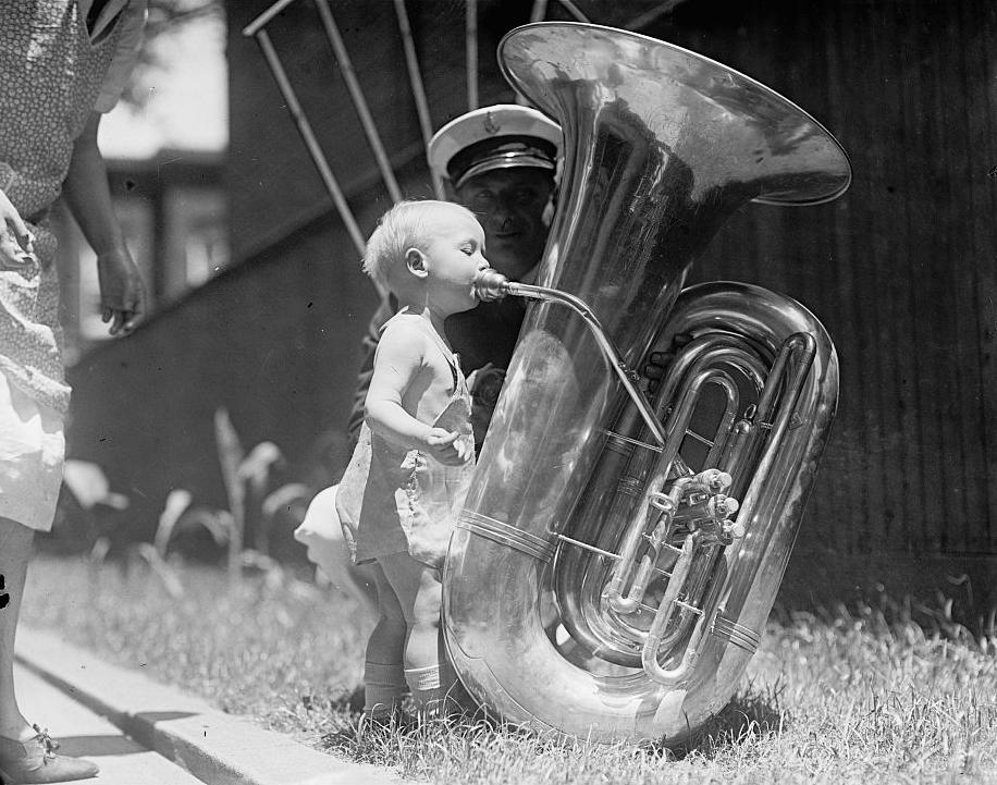 tuba-lblow