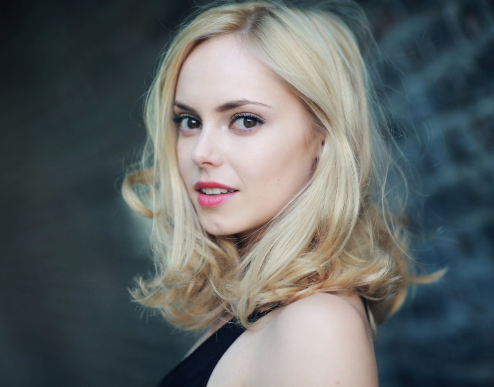 Thighs Wide Shut   Tag Archive   Hannah Tointon
